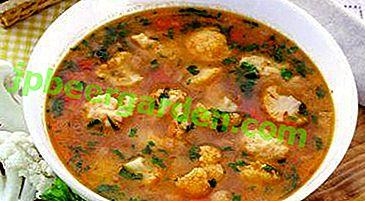 Es ist lecker und gesund - Suppe mit Blumenkohl auf Fleischbrühe