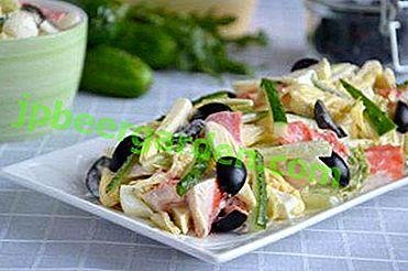 Смачний салат з крабовими паличками і капустою пекінської: покрокові рецепти з фото